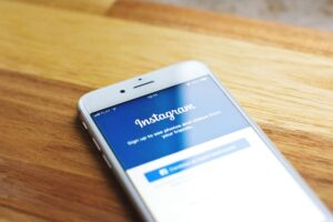 instagram app open on iphone,